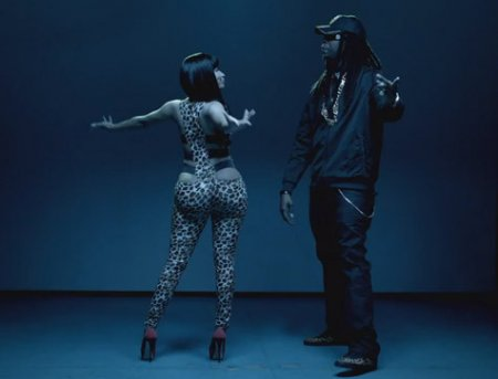 Nicki Minaj feat. 2 Chainz – Beez In The Trap (Dirty)